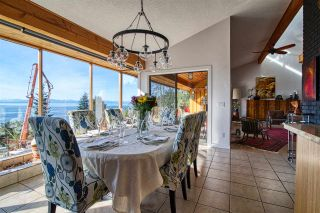 Photo 3: 6885 ISLANDVIEW Road in Sechelt: Sechelt District House for sale (Sunshine Coast)  : MLS®# R2549902