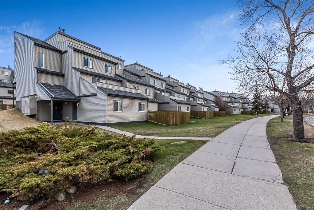 Main Photo: 1006 1540 29 Street NW in Calgary: St Andrews Heights Apartment for sale : MLS®# A1104191
