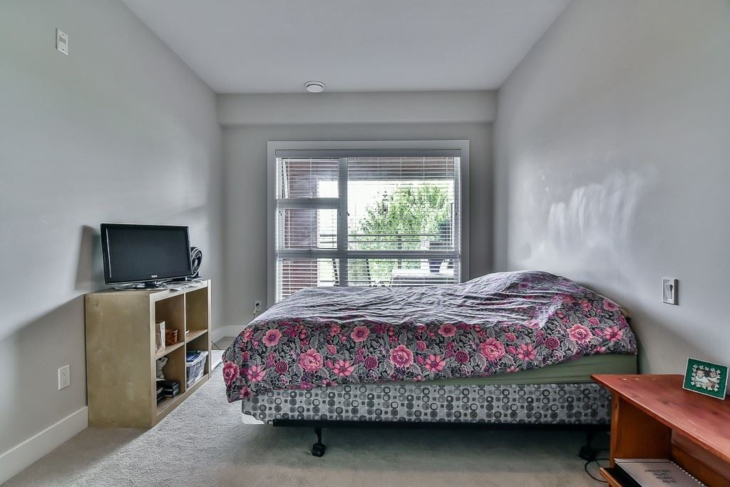 """Photo 15: Photos: 214 20728 WILLOUGHBY TOWN CENTRE Drive in Langley: Willoughby Heights Condo for sale in """"Kensington at Willoughby Town Centre"""" : MLS®# R2190142"""