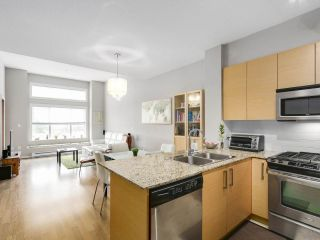 "Photo 2: 419 5885 IRMIN Street in Burnaby: Metrotown Condo for sale in ""MACPHERSON WALK"" (Burnaby South)  : MLS®# R2152628"