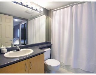 """Photo 9: 512 345 LONSDALE Avenue in North_Vancouver: Lower Lonsdale Condo for sale in """"THE MET"""" (North Vancouver)  : MLS®# V693471"""