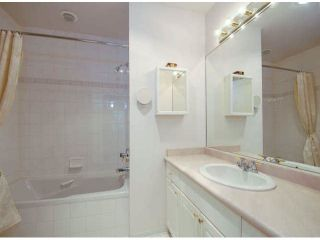 """Photo 15: 403 1765 MARTIN Drive in Surrey: Sunnyside Park Surrey Condo for sale in """"SOUTHWYND"""" (South Surrey White Rock)  : MLS®# F1415442"""