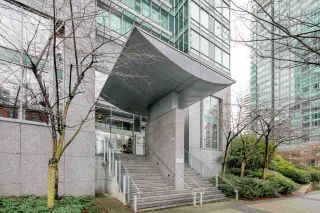 """Photo 2: 2604 1200 W GEORGIA Street in Vancouver: West End VW Condo for sale in """"RESIDENCES ON GEORGIA"""" (Vancouver West)  : MLS®# R2449777"""
