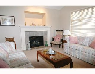 """Photo 2: 22750 HOLYROOD Avenue in Maple_Ridge: East Central House for sale in """"GREYSTONE"""" (Maple Ridge)  : MLS®# V672223"""