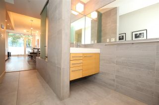"""Photo 9: 207 36 WATER Street in Vancouver: Downtown VW Condo for sale in """"TERMINUS"""" (Vancouver West)  : MLS®# R2575228"""
