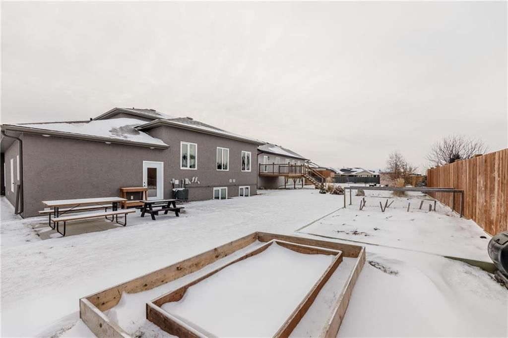 Photo 33: Photos: 13 BRIARWOOD Place in Steinbach: R16 Residential for sale : MLS®# 202029454