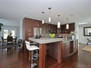 Photo 9: 800 Summerwood Pl in VICTORIA: SE Broadmead House for sale (Saanich East)  : MLS®# 695460