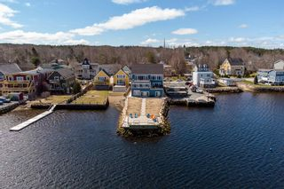 Photo 3: Unit 4 629 Main Street in Mahone Bay: 405-Lunenburg County Residential for sale (South Shore)  : MLS®# 202107603