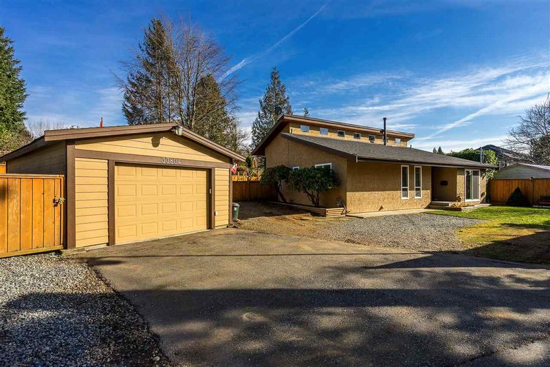 FEATURED LISTING: 33804 LINCOLN Road Abbotsford