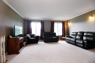 Photo 2: 36311 COUNTRY Place in Abbotsford: Abbotsford East House for sale : MLS®# R2163435