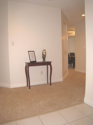 """Photo 4: 302 33675 MARSHALL Road in Abbotsford: Central Abbotsford Condo for sale in """"THE HUNTINGDON"""" : MLS®# F2829300"""
