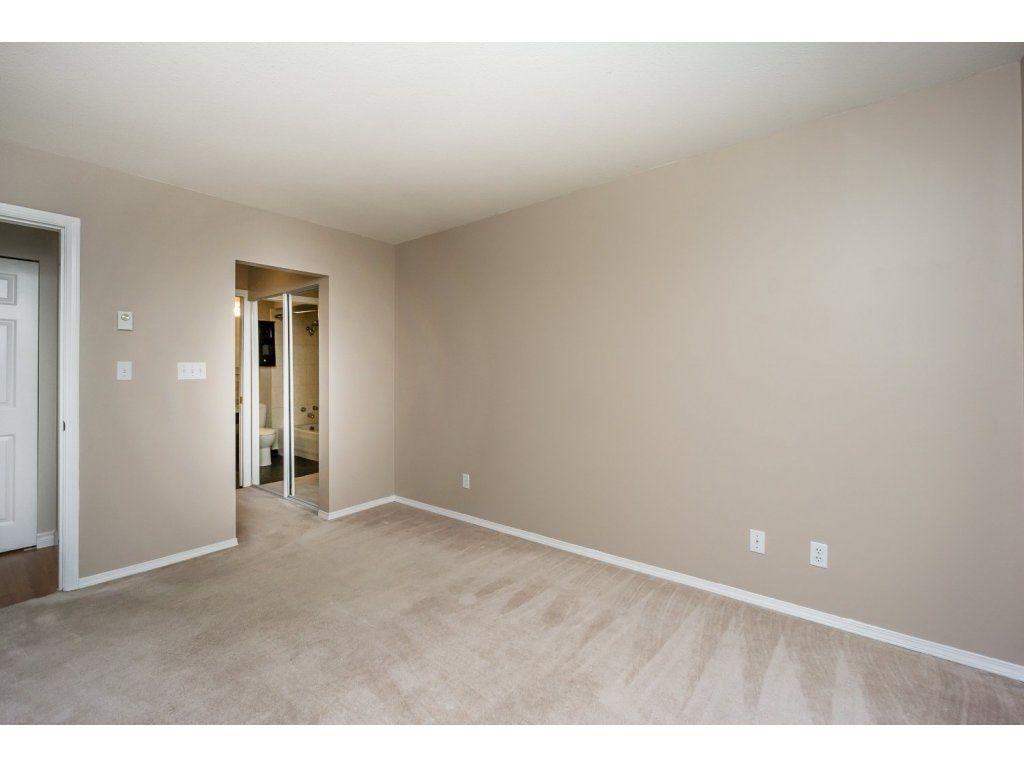 """Photo 13: Photos: 302 33839 MARSHALL Road in Abbotsford: Central Abbotsford Condo for sale in """"Cityscape"""" : MLS®# R2106369"""