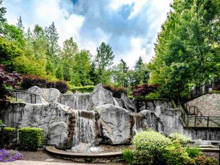 "Photo 13: 404 7418 BYRNEPARK Walk in Burnaby: South Slope Condo for sale in ""GREEN"" (Burnaby South)  : MLS®# R2466553"