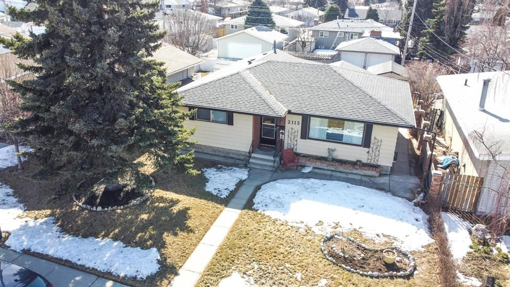 Main Photo: 2115 Mackid Crescent NE in Calgary: Mayland Heights Detached for sale : MLS®# A1080509