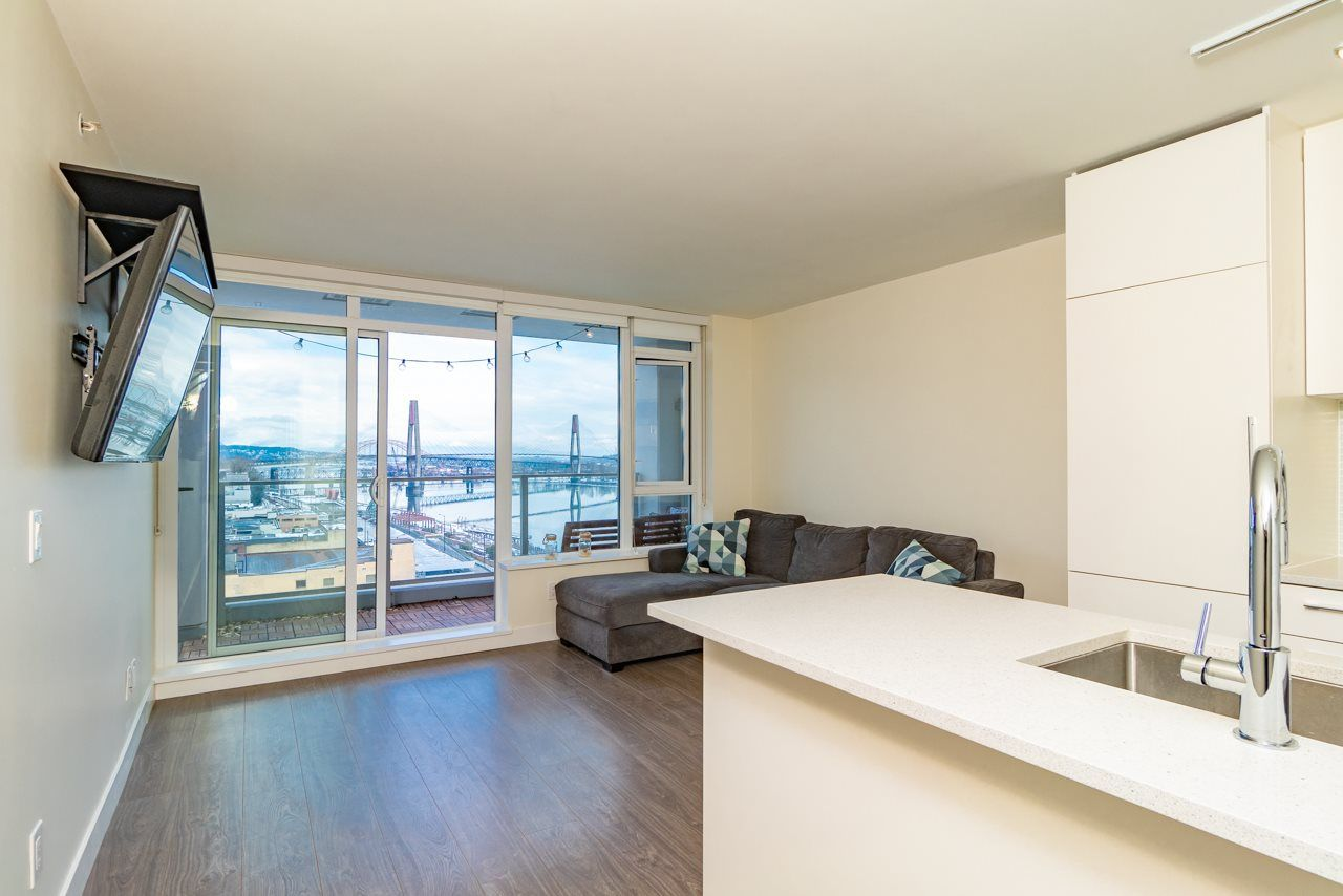 Main Photo: 1507 668 COLUMBIA Street in New Westminster: Quay Condo for sale : MLS®# R2340823
