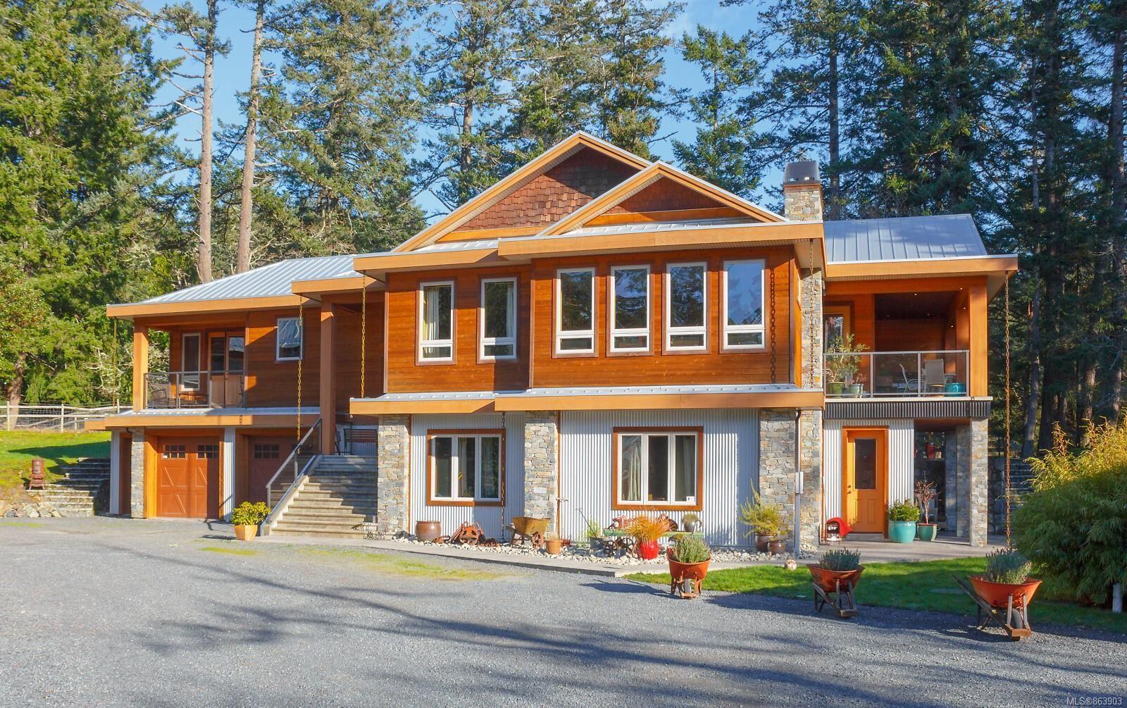 Main Photo: 823 Pears Rd in : Me Metchosin House for sale (Metchosin)  : MLS®# 863903