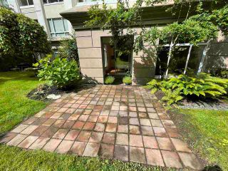 """Photo 3: 104 5735 HAMPTON Place in Vancouver: University VW Condo for sale in """"THE BRISTOL"""" (Vancouver West)  : MLS®# R2590076"""