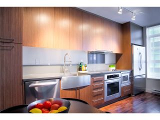 """Photo 4: 611 251 E 7TH Avenue in Vancouver: Mount Pleasant VE Condo for sale in """"DISTRICT"""" (Vancouver East)  : MLS®# V1051124"""