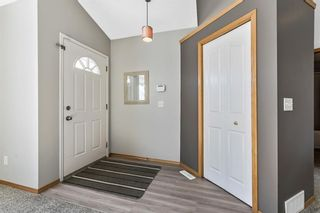 Photo 3: 143 Somerside Grove SW in Calgary: Somerset Detached for sale : MLS®# A1126412