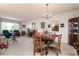 """Photo 6: 201 5375 205 Street in Langley: Langley City Condo for sale in """"Glenmont Park"""" : MLS®# R2482379"""