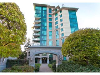 """Photo 1: 102 14824 NORTH BLUFF Road: White Rock Condo for sale in """"The Belaire"""" (South Surrey White Rock)  : MLS®# R2247424"""