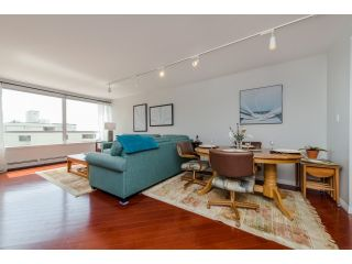 """Photo 6: 707 15111 RUSSELL Avenue: White Rock Condo for sale in """"PACIFIC TERRACE"""" (South Surrey White Rock)  : MLS®# R2074159"""