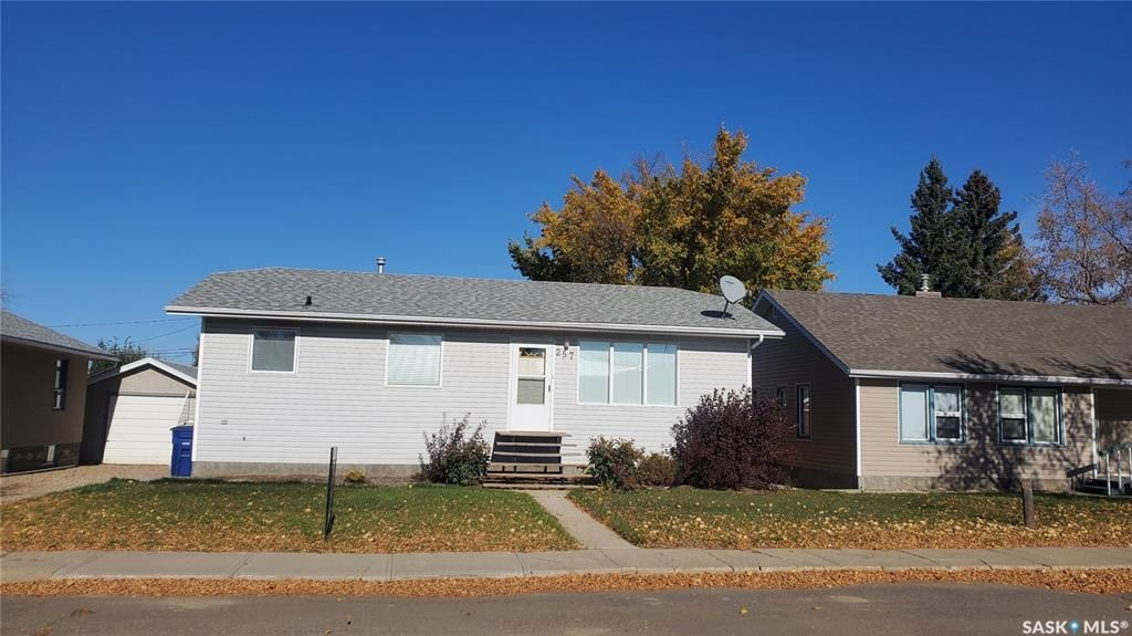 Main Photo: 257 4th Avenue West in Unity: Residential for sale : MLS®# SK852712