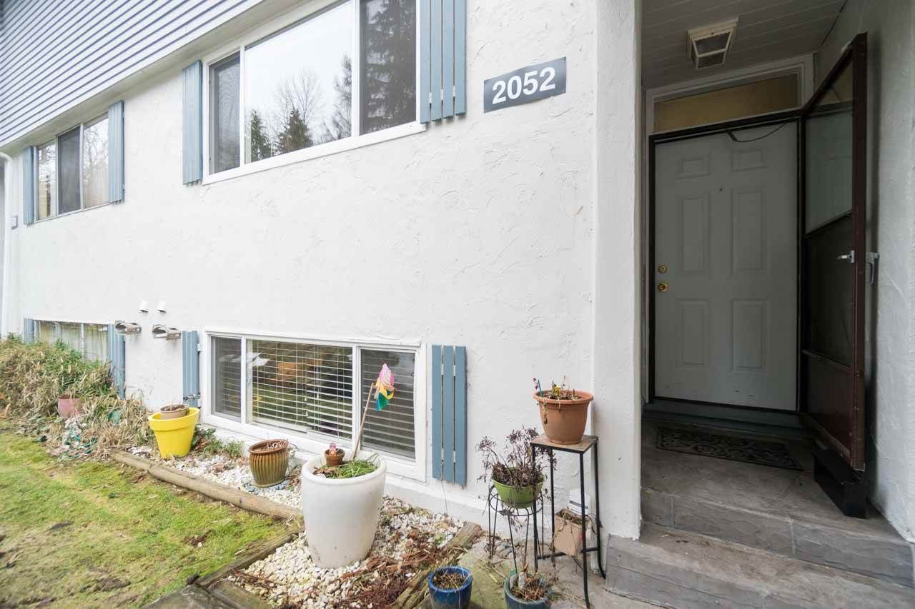 Main Photo: 2052 HIGHVIEW Place in Port Moody: College Park PM Townhouse for sale : MLS®# R2140235