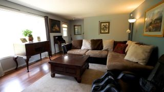 Photo 3: 925 10TH AVENUE in Montrose: House for sale : MLS®# 2460114