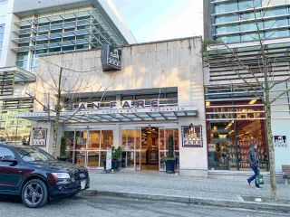 """Photo 19: 557 168 W 1ST Avenue in Vancouver: False Creek Condo for sale in """"WALL CENTRE FALSE CREEK WEST TOWER"""" (Vancouver West)  : MLS®# R2372215"""