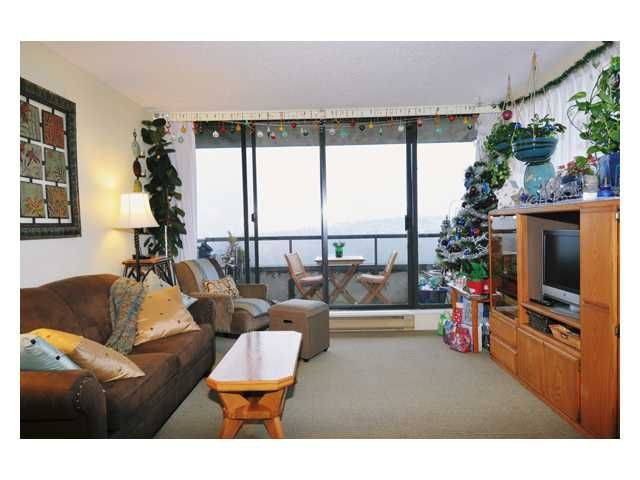 """Main Photo: # 2204 3970 CARRIGAN CT in Burnaby: Government Road Condo for sale in """"DISCOVER PLACE"""" (Burnaby North)  : MLS®# V861085"""