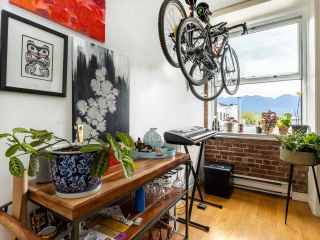 Photo 2: 602 233 ABBOTT STREET in Vancouver: Downtown VW Condo for sale (Vancouver West)  : MLS®# R2406307