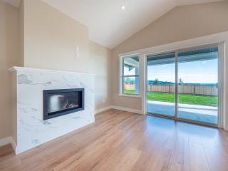 Photo 3: 5636 DERBY Road in Sechelt: Sechelt District House for sale (Sunshine Coast)  : MLS®# R2539353