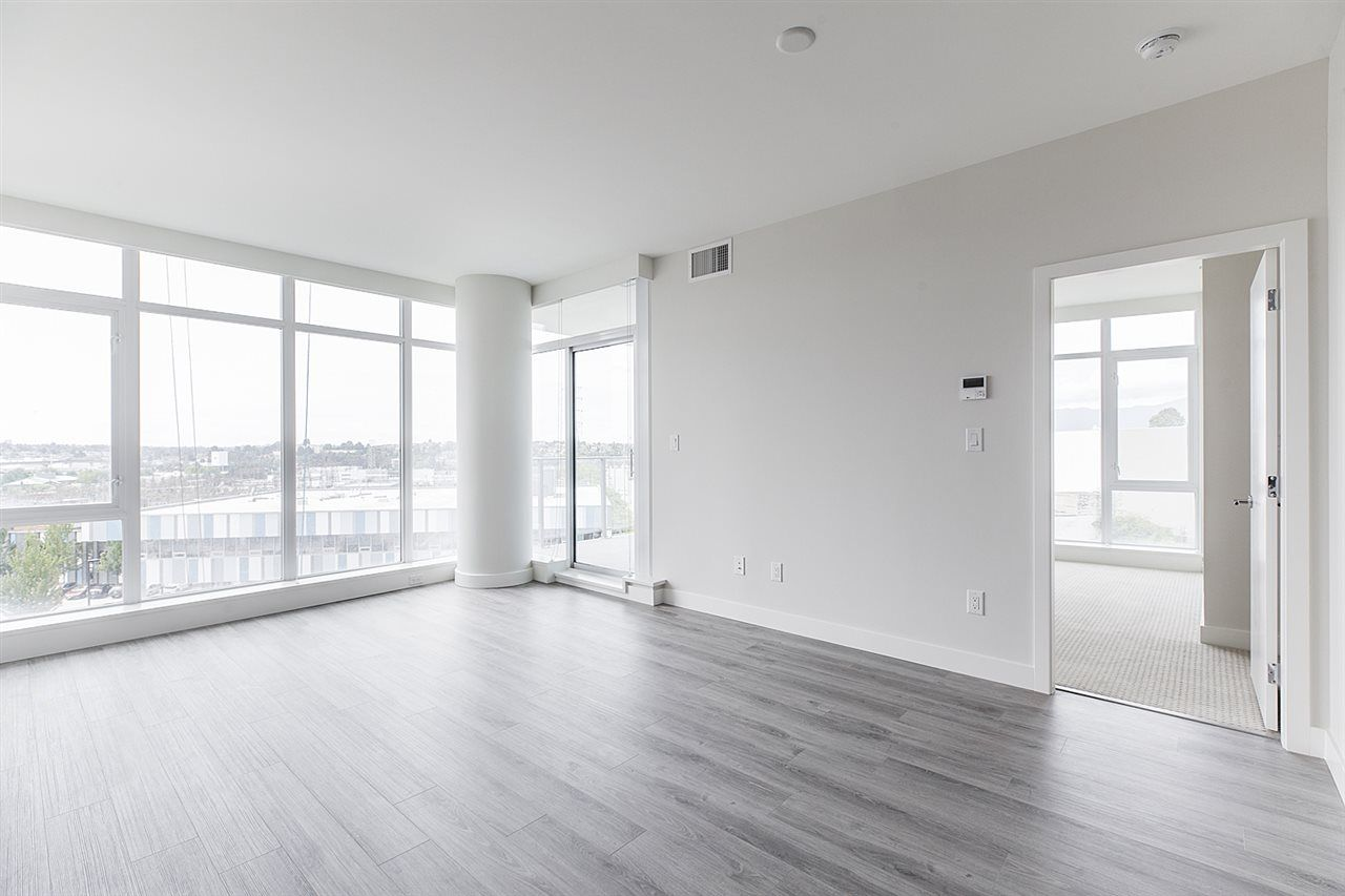 """Photo 6: Photos: 505 1788 GILMORE Avenue in Burnaby: Brentwood Park Condo for sale in """"Escala"""" (Burnaby North)  : MLS®# R2394517"""
