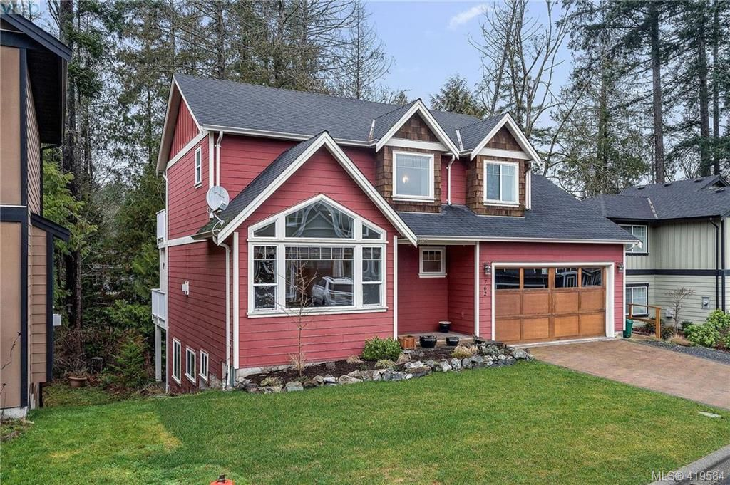 Main Photo: 762 Hanbury Pl in VICTORIA: Hi Bear Mountain House for sale (Highlands)  : MLS®# 830526