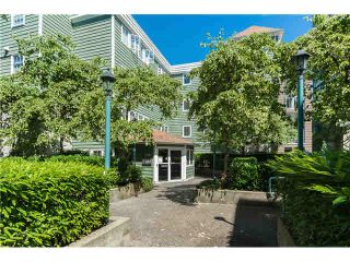 """Photo 6: 403 1199 WESTWOOD Street in Coquitlam: North Coquitlam Condo for sale in """"LAKESIDE TERRACE"""" : MLS®# V1105956"""