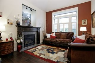 Photo 2: 35934 REGAL Parkway in Abbotsford: Abbotsford East House for sale : MLS®# R2235544