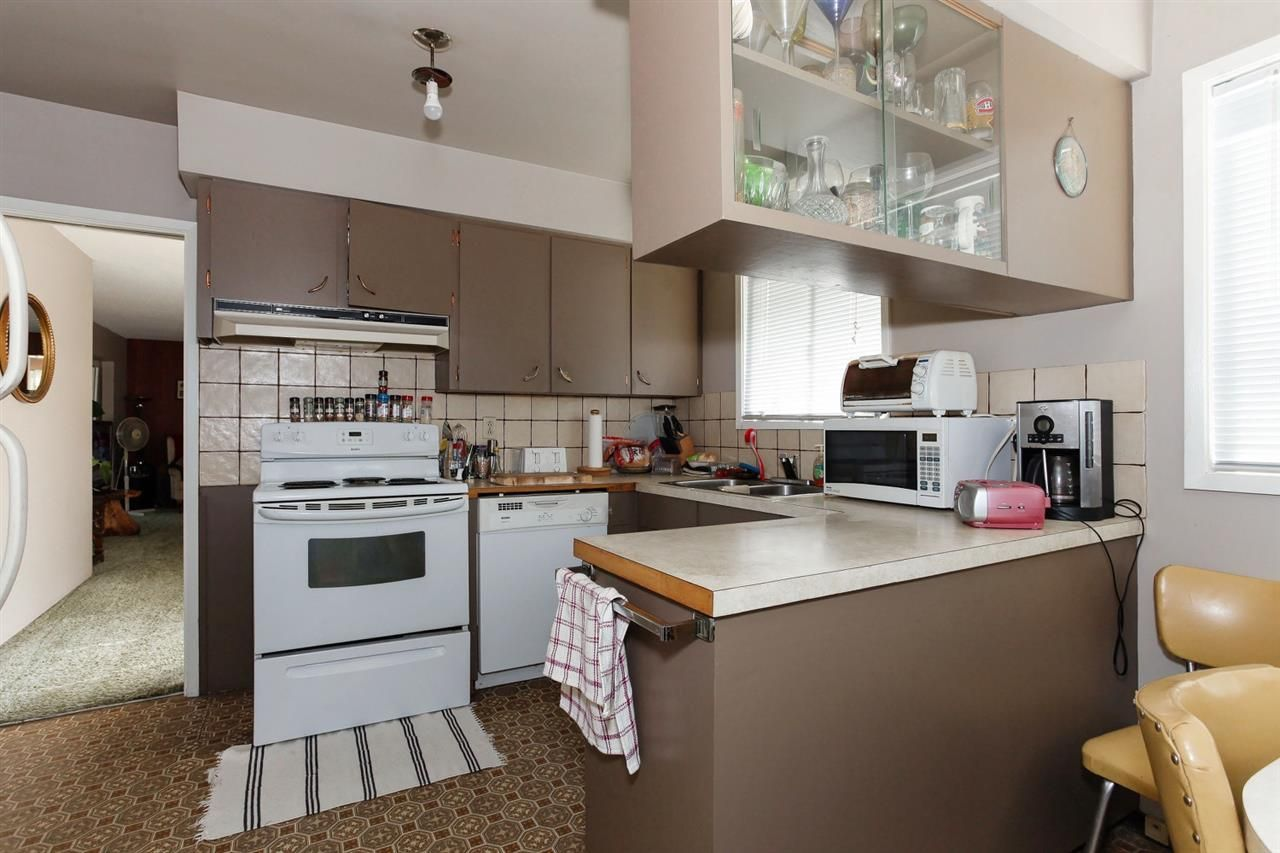 Photo 10: Photos: 334 LEROY STREET in Coquitlam: Central Coquitlam House for sale : MLS®# R2210687