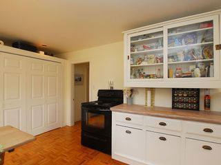 Photo 7: 1904 Leighton Rd in Victoria: Residential for sale : MLS®# 291379