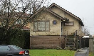 Photo 1: 2052 E 49TH Avenue in Vancouver: Killarney VE House for sale (Vancouver East)  : MLS®# R2137182