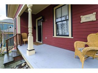 Photo 2: 218 BURR Street in New Westminster: Uptown NW House for sale : MLS®# V1044439