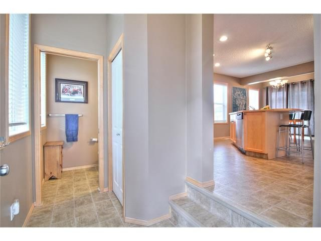 Photo 6: Photos: 304 EVERSYDE Circle SW in Calgary: Evergreen House for sale : MLS®# C4035934