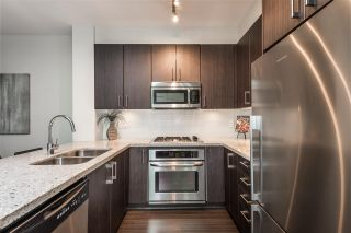 """Photo 5: 401 119 W 22ND Street in North Vancouver: Central Lonsdale Condo for sale in """"Anderson Walk"""" : MLS®# R2436594"""