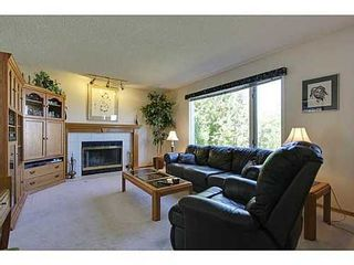 Photo 8: 147 EDGEBROOK Circle NW in Calgary: 2 Storey for sale : MLS®# C3575190
