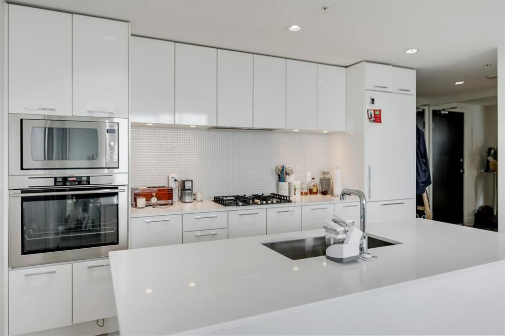 Main Photo: 2806 901 10 Avenue SW in Calgary: Beltline Apartment for sale : MLS®# A1109139