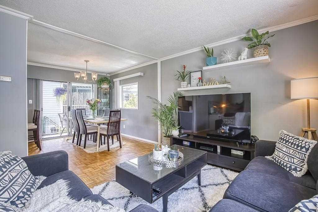 """Main Photo: 267 1840 160 Street in Surrey: King George Corridor Manufactured Home for sale in """"King George Corridor"""" (South Surrey White Rock)  : MLS®# R2482051"""