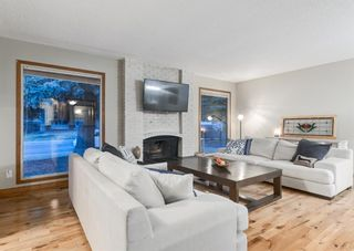 Photo 4: 931 PARKWOOD Drive SE in Calgary: Parkland Detached for sale : MLS®# A1097878