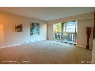 Photo 2: 303 1122 Hilda St in VICTORIA: Vi Fairfield West Condo for sale (Victoria)  : MLS®# 698197