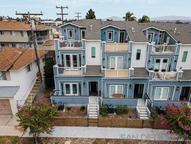 Main Photo: House for sale : 3 bedrooms : 911 27th in San Diego