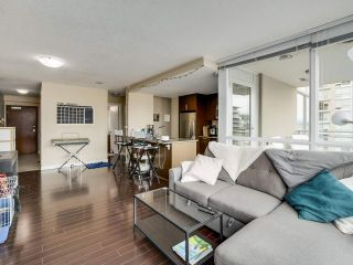 """Photo 8: 1801 2978 GLEN Drive in Coquitlam: North Coquitlam Condo for sale in """"GRAND CENTRAL ONE"""" : MLS®# R2553791"""